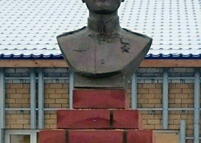Бюст Герою Советского Союза Кологривову М.М., п. Кокшайск